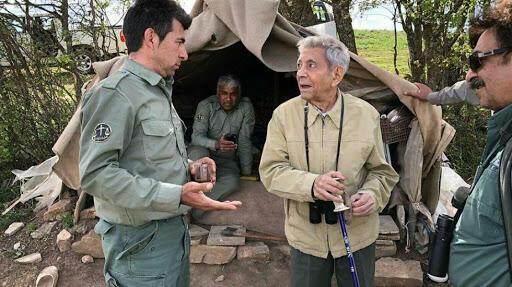 اسکندر فیروز (نفر وسط )، بنیانگذار سازمان حفاظت محیط زیست ایران