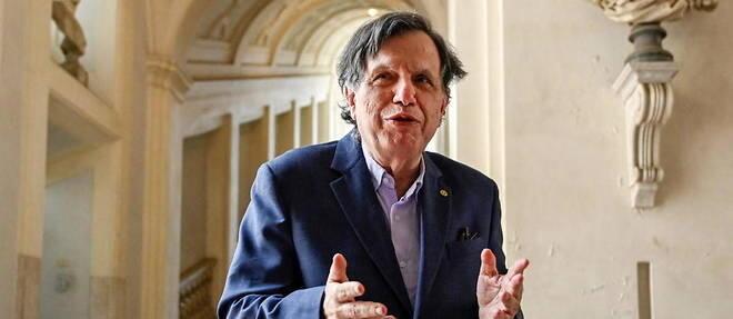 El académico y físico italiano Giorgio Parisi habla con los medios de comunicación a su llegada, el 5 de octubre de 2021, a la Accademia dei Lincei, en Roma, tras haber ganado el Premio Nobel de Física.