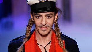O estilista John Galliano.