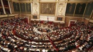 Национальное собрание Франции приняло текст о пресечении дискриминации из-за акцента.