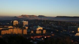 Vista de Maseru, capital do Lesoto, para onde se dirige um contingente de militares angolanos