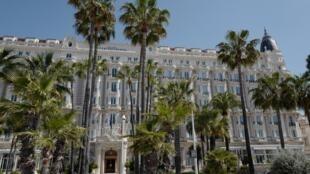 El hotel Carlton en Cannes, en el sur de Francia, el 27 de abril de 2020