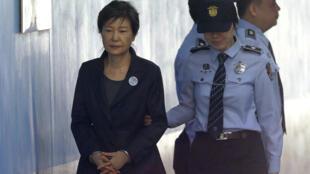 L'ancienne présidente sud-coréenne, Park Geun-hye, lors d'une audience au tribunal de Séoul, le 10 octobre 2017.
