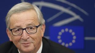 Le nouveau président de la Commission européenne, Jean-Claude Juncker, a présenté aux eurodéputés les grandes orientations du nouvel exécutif européen, mercredi 22 octobre 2014.