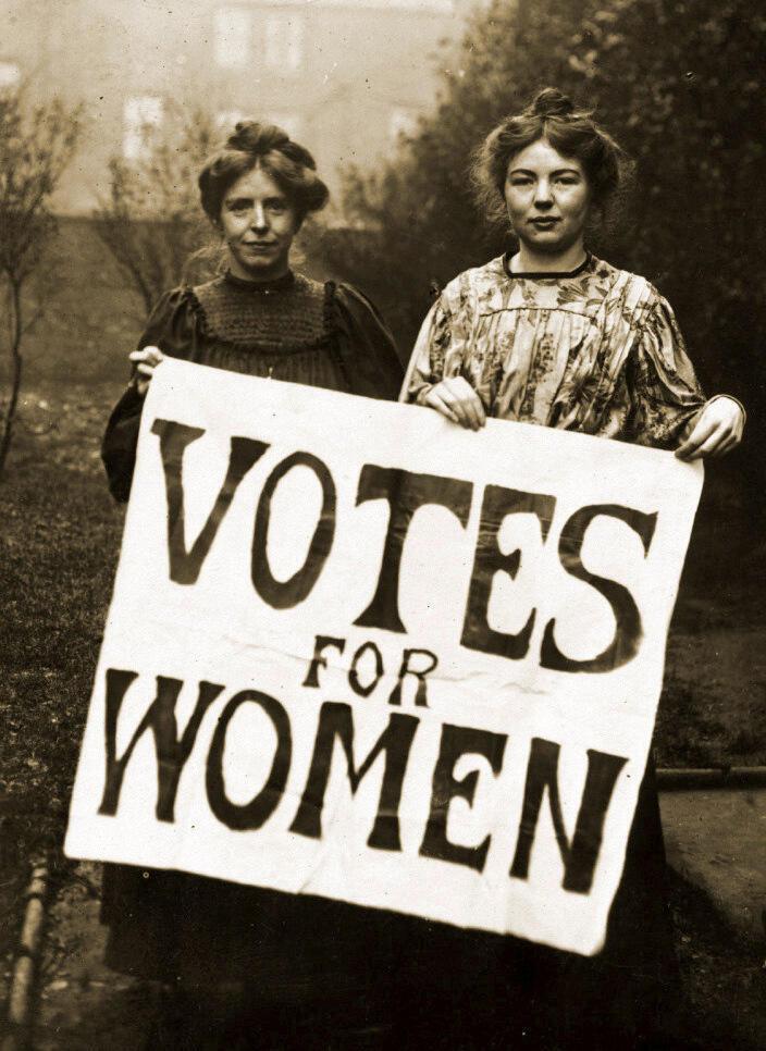 Annie Kenney y Christabel Pankhurst, líderes del Unión Social y Política de Mujeres (WSPU) en el Reino Unido, 1908.