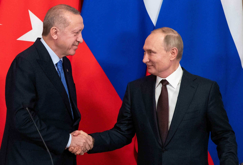 2021-09-28T132113Z_486498603_RC21ZP93N26B_RTRMADP_3_RUSSIA-TURKEY