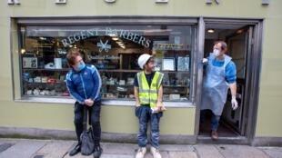 Coronavirus : des eurodéputés irlandais veulent une exemption de quatorzième