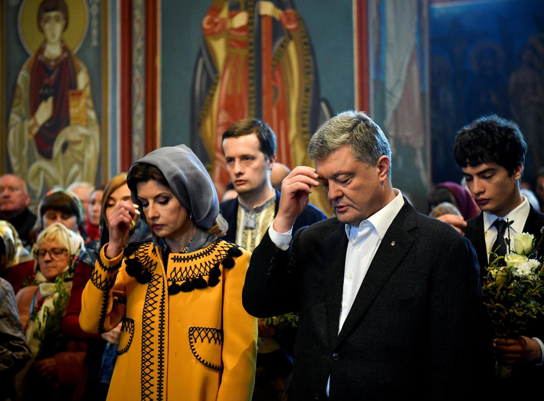 Петр Порошенко на литургии 21 апреля 2019