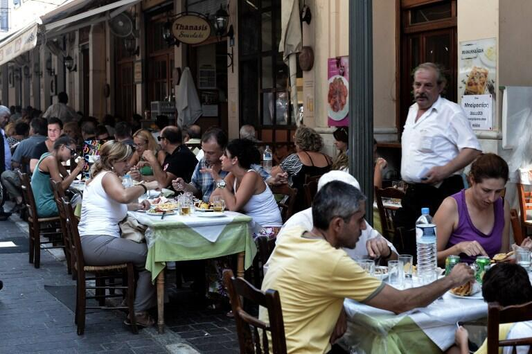 Des touristes à Athènes (Grèce), avant la crise sanitaire du Covid-19...