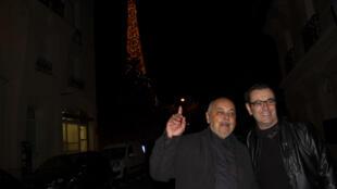 Los humoristas Claudo Nazoa y Laureano Márquez en París, 6 de octubre de 2016.