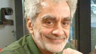 Daniel Melingo en los estudios de RFI