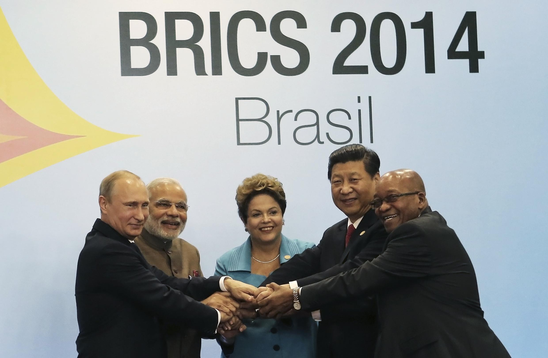 Criação do Novo Banco de Desenvolvimento (NBD) pelos cinco países que formam os Brics (Brasil, Rússia, Índia, China e África do Sul)