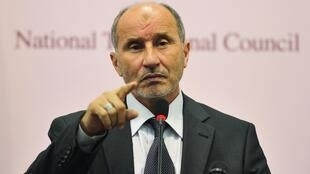 O Presidente do CNT, Mustafa Abdul Jalil anunciou este Domingo que doravante será aplicada a lei islâmica na Líbia