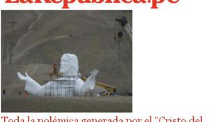 """O """"Cristo do Pacífico"""", estátua de 37 metros de concreto que será instalada na baía de Lima em fins de junho."""