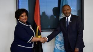 Carolina Cerqueira,ministra da Cultura de 'Angola e Firmin Matoko(director-adjunto geral  da Unesco)  por ocasião da assinatura do acordo para a organização da Bienal da Paz de Luanda .Paris. 18 de Dezembro  de 2018