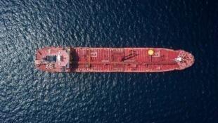 نمایش تصاویر دور زدن تحریم های نفتی آمریکا در صدا و سیمای جمهوری اسلامی جنجال ساز شد