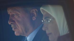 اردوغان و همسرش در بدو ورود به برلین