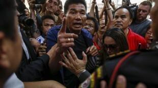 2014年2月2日泰國曼谷的一個選區選民抗議投票站關門。