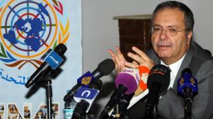 Le représentant spécial et chef de la Mission d'appui des Nations unies en Libye (MANUL), Tarek Mitri, à Tripoli, en décembre 2013.