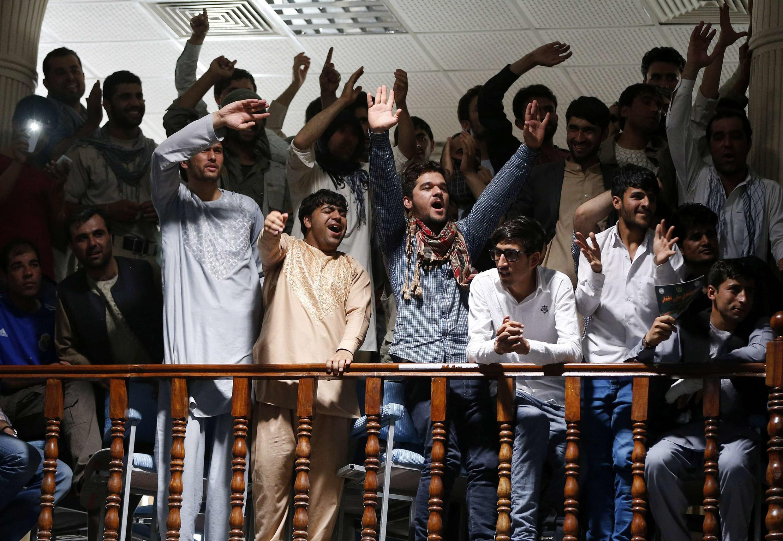 Des partisans du candidat Abdullah Abdullah à Kaboul ce 8 juillet 2014.