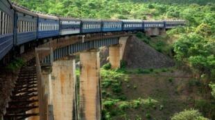 Moja ya treni ya Tazara ambayo ni ya Ushirikiana kati ya Zambia na Tanzania