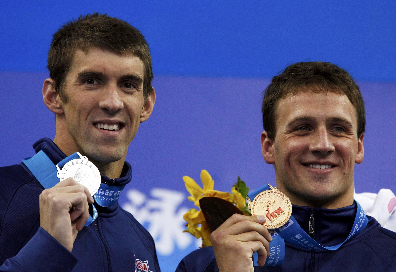 Michael Phelps (g )et  Ryan Lochte.