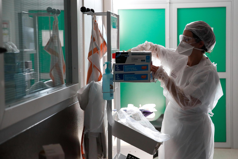 В больнице Ольне-су-Буа под Парижем, 15 сентября 2020 г.