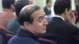 Vladimiro Montesinos au tribunal sur une photo prise en février 2004