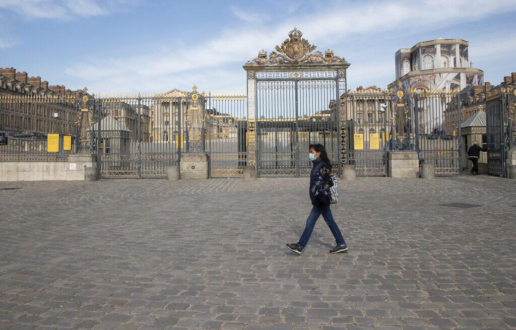 Após vários pontos turísticos abrirem, amanhã é a vez do Palácio de Versalhes, após 82 dias fechado devido à pandemia do coronavírus.