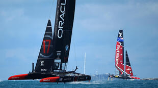 Oracle Team USA skippered by Jimmy Spithill and Emirates Team New Zealand skippered by Peter Burling in action during a training session ahead of the Americas Cup Match Presented by Louis Vuitton on June 15, 2017 in Hamilton, Bermuda