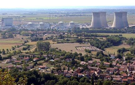 Vue aérienne de la centrale nucléaire du Bugey, en région Rhône-Alpes.