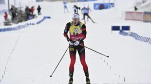 Le Norvégien Johannes Boe vainqueur du sprint 10 km d'Oberhof, en Allemagne, le 13 janvier 2021
