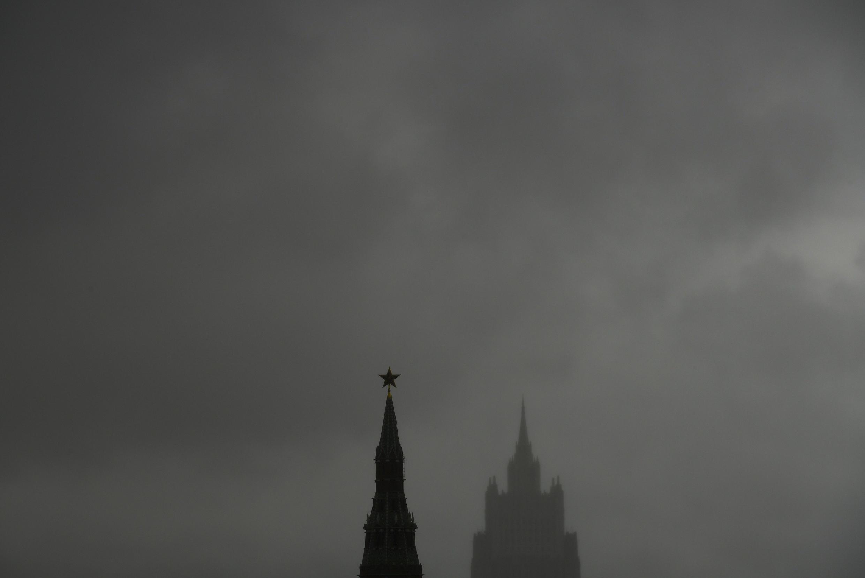 Москва. Послы Азербайджана и Армении в России призвали прекратить уличные драки между общинами.