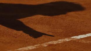 La cour d'assises des Yvelines a condamné, mercredi, en appel un ex-entraîneur de tennis, Andrew Geddes, à dix-huit ans de réclusion criminelle pour le viol de plusieurs de ses anciennes élèves, toutes mineures à l'époque des faits.