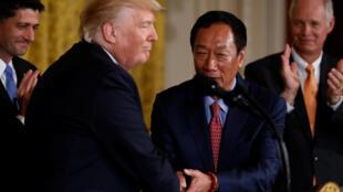 美国总统特拉普与台湾鸿海科技集团总裁郭台铭