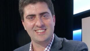 Matías Fernández Moores en el estudio 1 de RFI