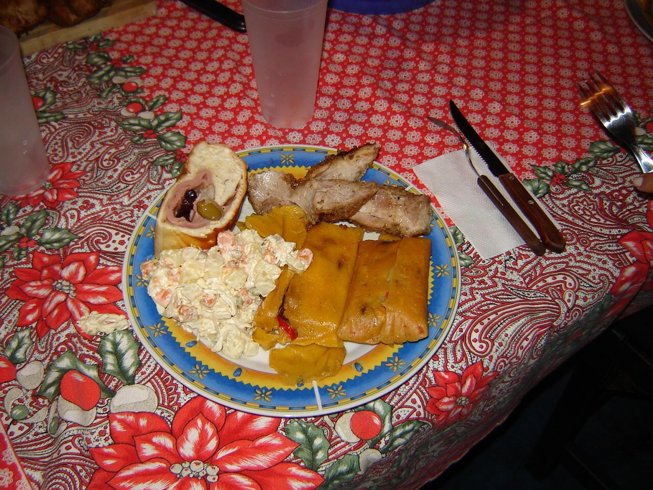 Le «Pernil navideño» est un des plats typiques des fêtes de fin d'année au Vénézuela avec le Pan de Jamon et la ensalada de Gallina.