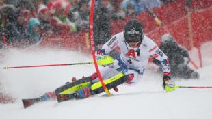Клеман Ноэль дебютировал в гонках международной федерации лыжного спорта в 2013 году в Валь-Торансе.