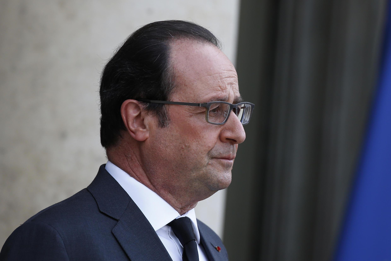 Le président François Hollande, photographié le 13 avril 2016 sur le perron de l'Elysée.