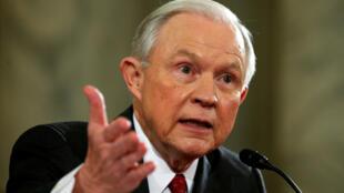 Jeff Sessions na Amurka na fuskantar matsin lamba daga bangaren jam'iyyar adawa ta Democrat