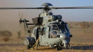 Un hélicoptère Caracal.