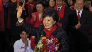 韓聯社報道,新國家黨候選人樸槿惠或將以50.1%的得票率贏得總統大選