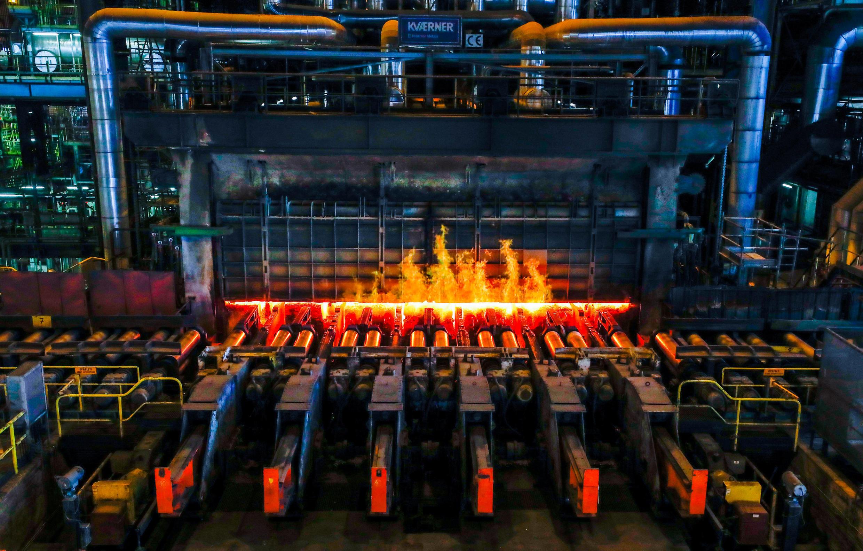 比利時根特的安賽樂米塔爾鋼鐵廠軋鋼機 2018年5月22日
