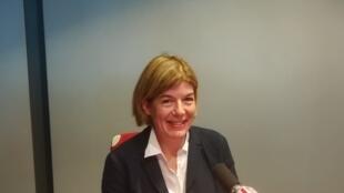 La romancière américaine Claire Messud en studio à RFI en mai 2018.
