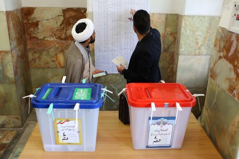 یک حوزه رأیگیری در قم