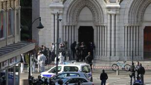 2020-10-29 france nice knife attack terrorist notre dame basilica