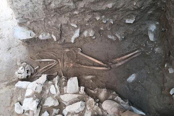 کشف سومین اسکلت از هزاره های گذشته در تپۀ اشرف اصفهان