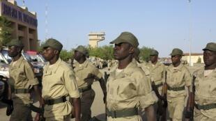 Des soldats burkinabè à Tombouctou, au Mali, en 2013. Le Burkina veut redéployer son contingent présent au Mali vers ses frontières.