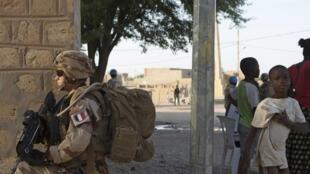 Soldat français de l'opération Barkhane au Mali, le 5 novembre 2014.