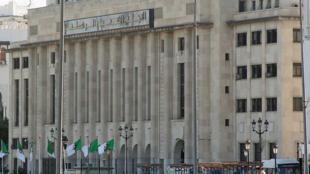 Crise au Parlement algérien (photo) dont les députés de la majorité FLN réclament la démission de Saïd Bouhadja, président de l'Assemblée populaire nationale.